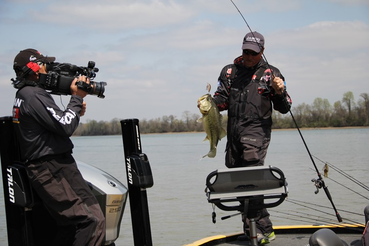 Look inside the umf ranger z521 c reel outdoors tv llc for Ultimate match fishing